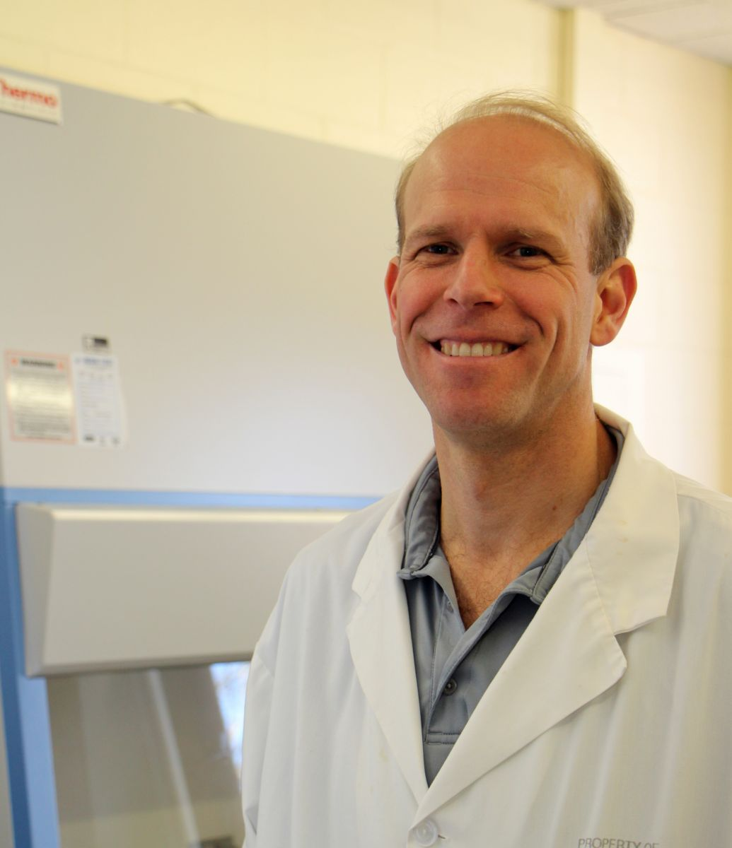Prof. Scott Weese, Department of Pathobiology, Ontario Veterinary College, University of Guelph.